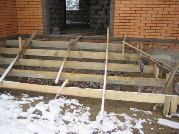 Как сделать лестницу входную своими руками